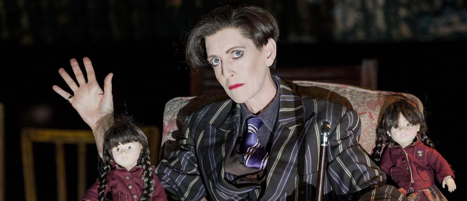 ENO Peter Grimes: Rebecca de Pont Davies as Auntie (c) Robert Workman