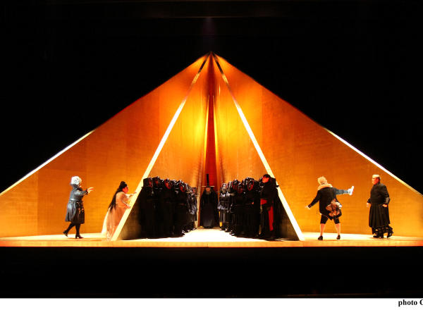 characters from tristan and isolde act 1 on yellow pyramid stage