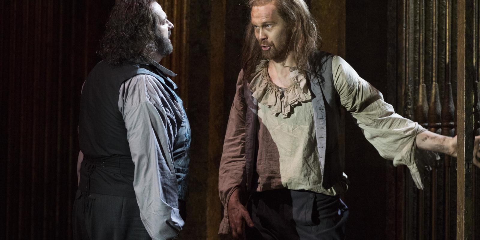Gwyn Hughes Jones as Cavaradossi and Andri Bjorn Robertsson as Angelotti in ENO's Tosca