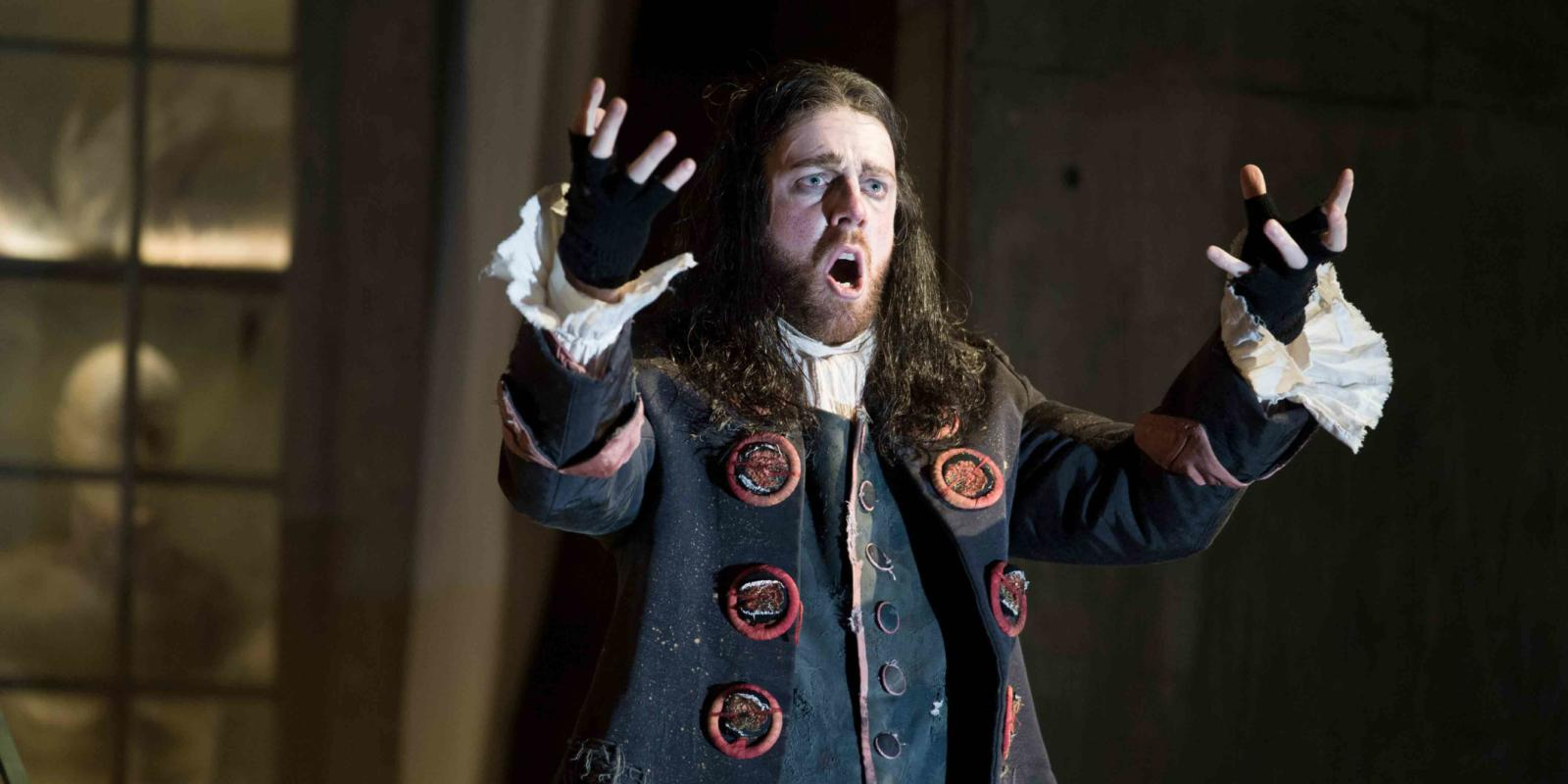 An image of Barnaby Rea in Jonathan Miller's 2015 16 produciton of Barber of Seville