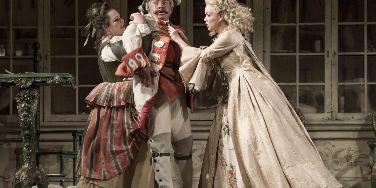An image of Katherine Broderick, Eleazar Rodriguez and Kathryn Rudge in Jonathan Miller's 2015 production of The Barber of Seville