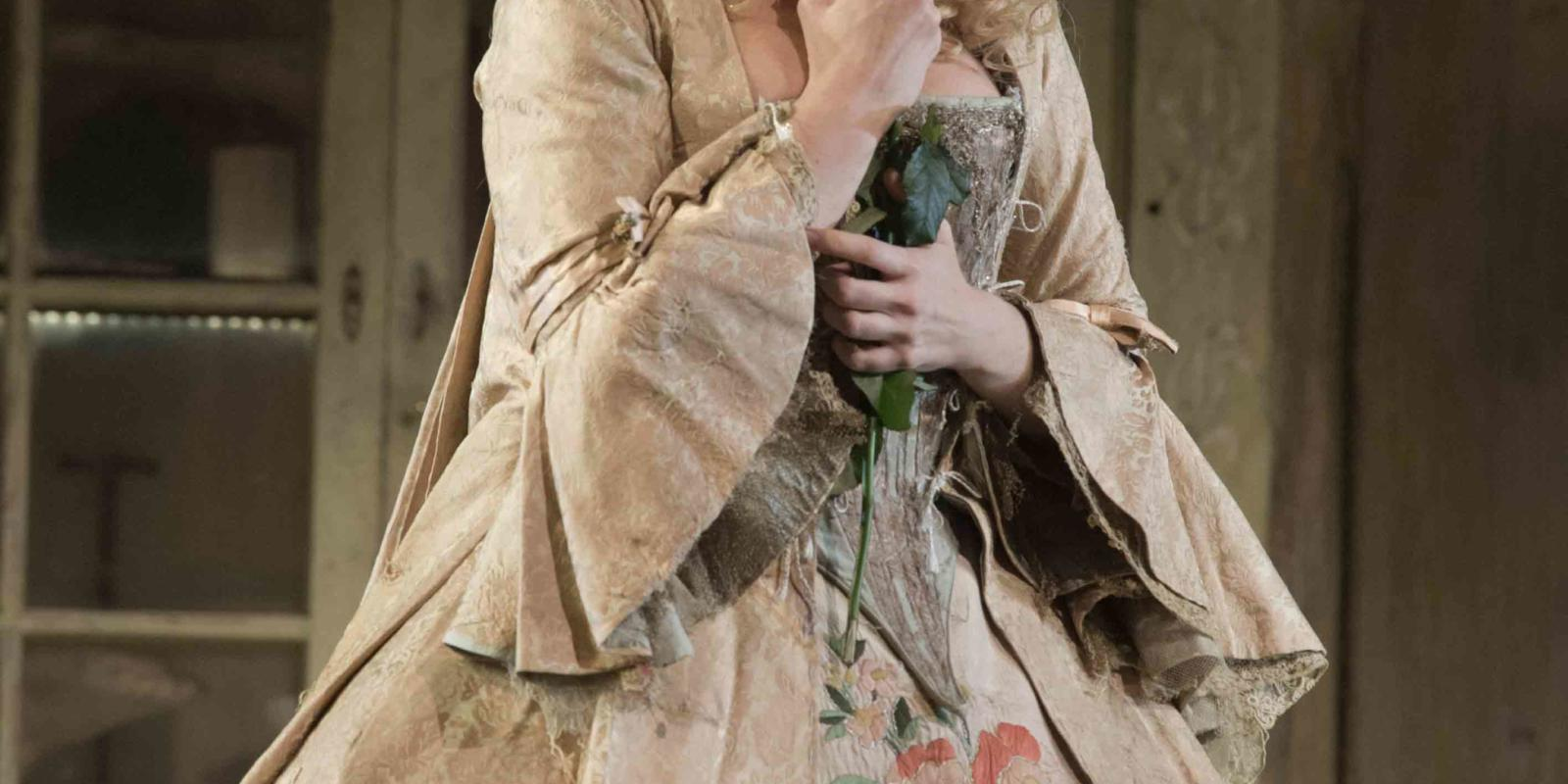 An image of Kathryn Rudge in Jonathan Miller's 2015 production of The Barber of Seville