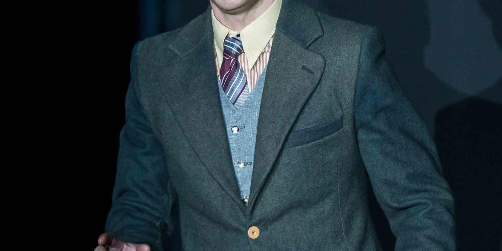 An image of Christopher Ainslie in Richard Jones's 2014 production of Rodelinda