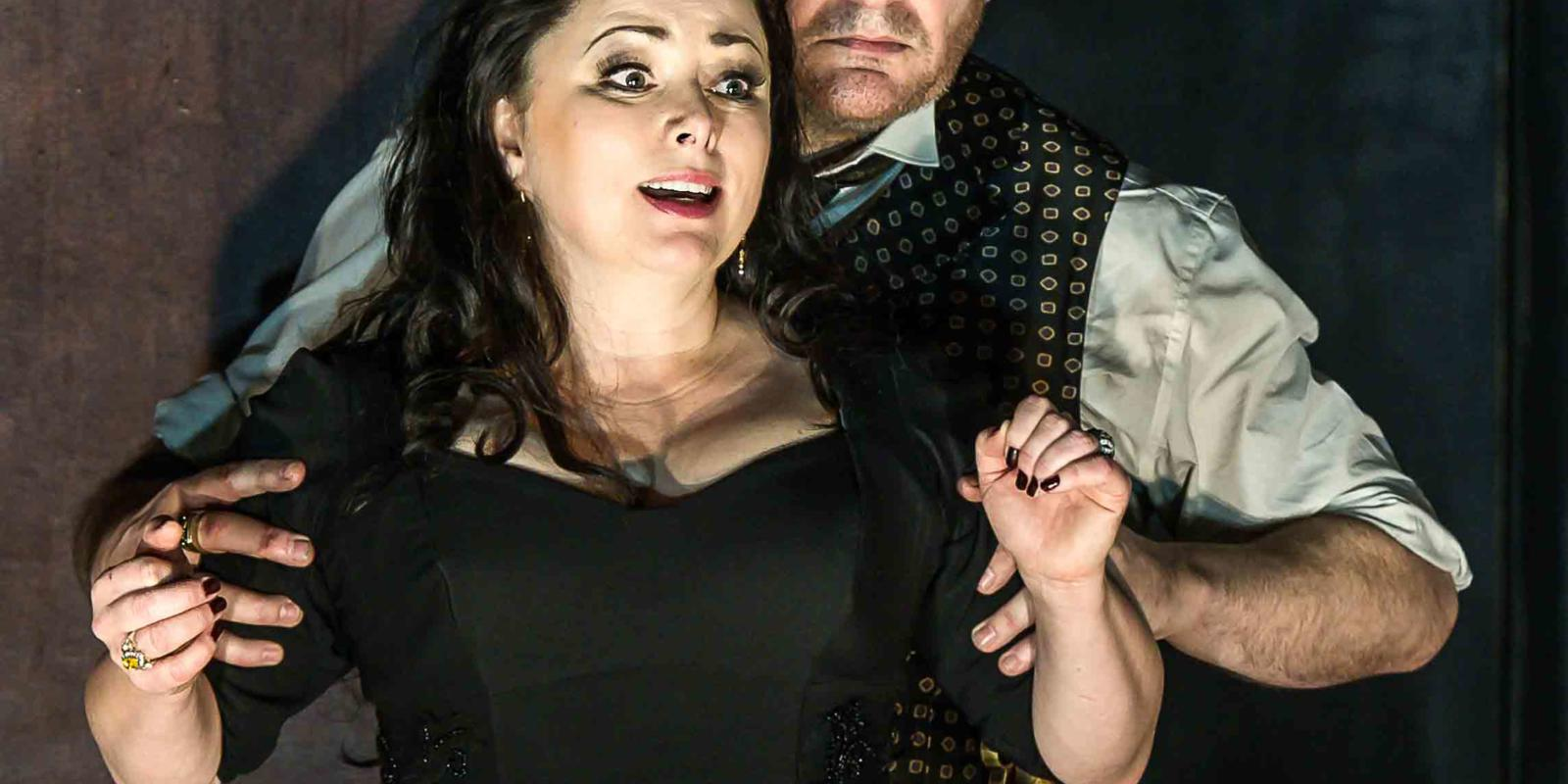An image of Rebecca Evans and John Mark Ainsley in Richard Jones's 2014 production of Rodelinda