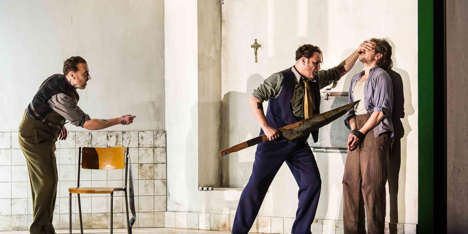 An image of Richard Burkhard, John Mark Ainsley and Iestyn Davies in Richard Jones's 2014 production of Rodelinda