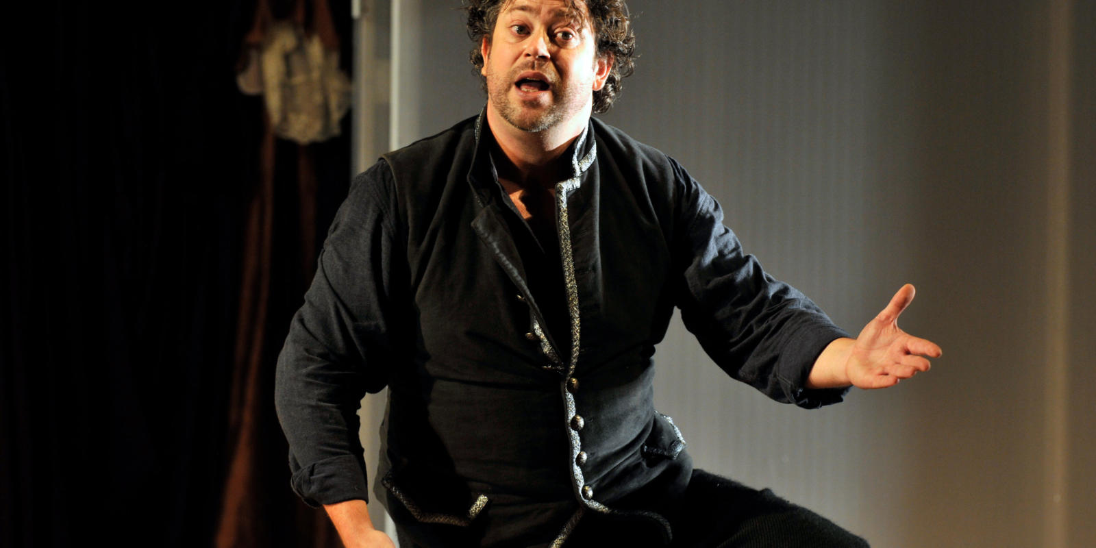 An image of David Stout in Fiona Shaw's 2014 production of The Marriage of Figaro