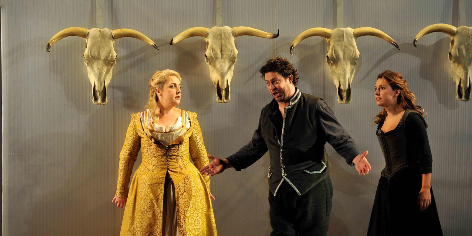 An image of Sarah Jane Brandon, Benedict Nelson and Mary Bevan in Fiona Shaw's 2014 production of The Marriage of Figaro