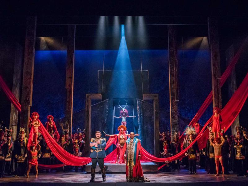 ENO Aida: Cast and Chorus (c) Tristram Kenton