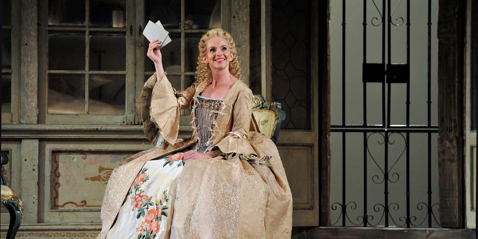 ENO The Barber of Seville: Sarah Tynan (c) Robbie Jack