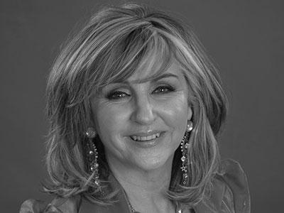 Lesley Garrett - Soprano in Marnie of English National Opera