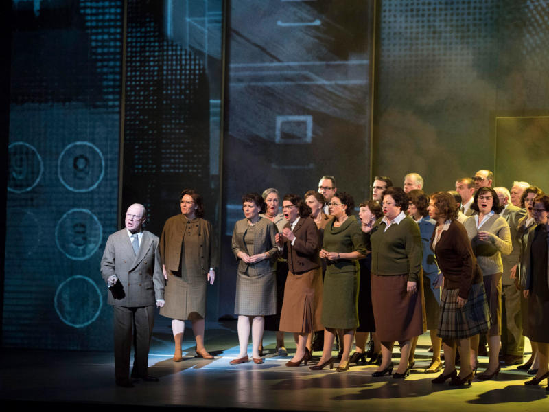 ENO chorus on stage with Alasdair Elliott (c) Richard Hubert Smith