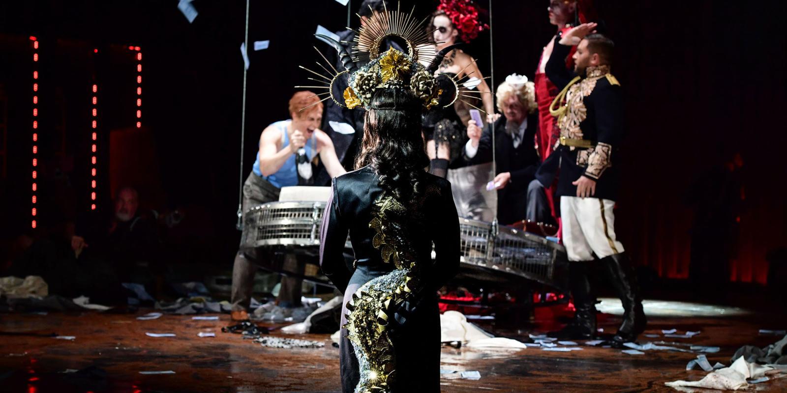 La-traviata_Winters-®-Sandra-Then-3
