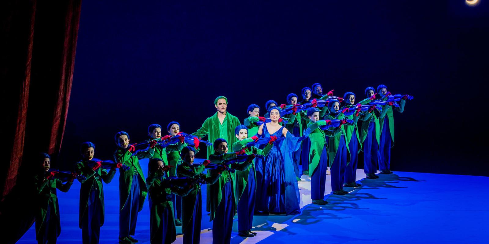 ENO A Midsummer Night's Dream Christopher Ainslie Soraya Mafi Trinity Boys Choir 2 (c) Robert Workman