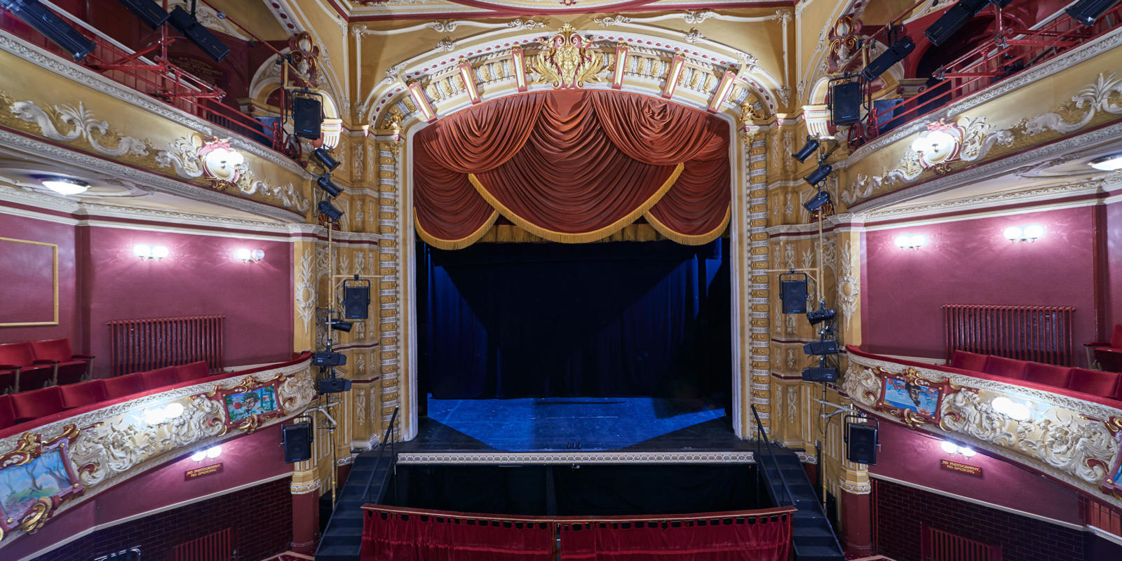 Theatre Royal Wakefield auditorium (c) Paul White