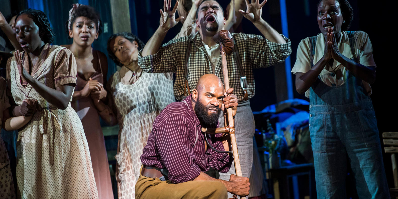 ENO Porgy and Bess: Eric Greene and Chorus members (c) Tristram Kenton