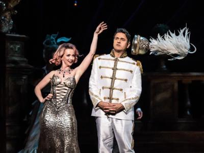 ENO The Merry Widow: Nathan Gunn as Danilo; Sarah Tynan as Hanna © Clive Barda