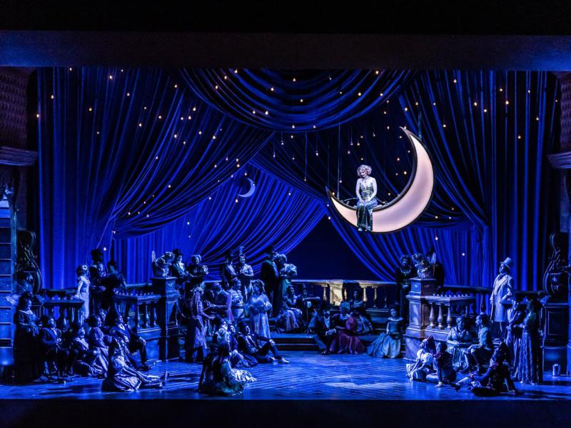 ENO The Merry Widow: Sarah Tynan and the ENO Chorus (c) Clive Barda