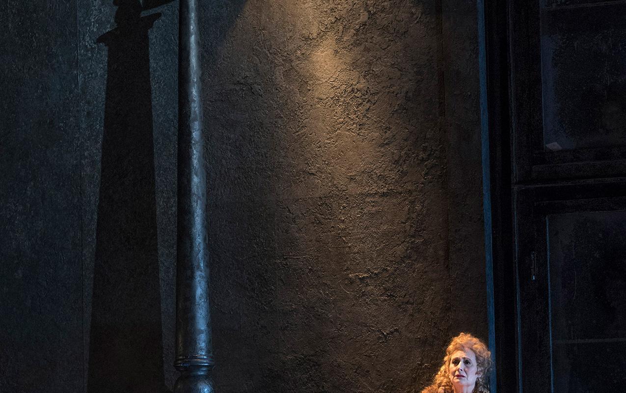 ENO 2018/19 Jack the Ripper: The Women of Whitechapel: Janis Kelly © Alastair Muir