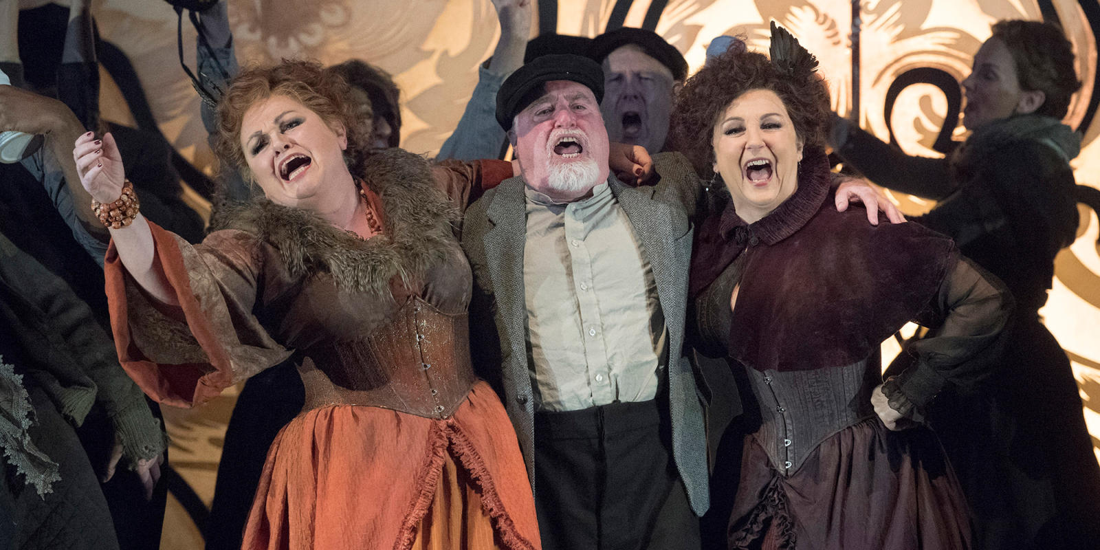ENO 2018/19 Jack the Ripper: The Women of Whitechapel: Susan Bullock and Lesley Garrett with Murray Kimmins © Alastair Muir