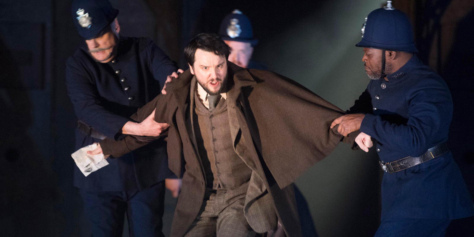 ENO 2018/19 Jack the Ripper: The Women of Whitechapel: William Morgan as The Writer © Alastair Muir