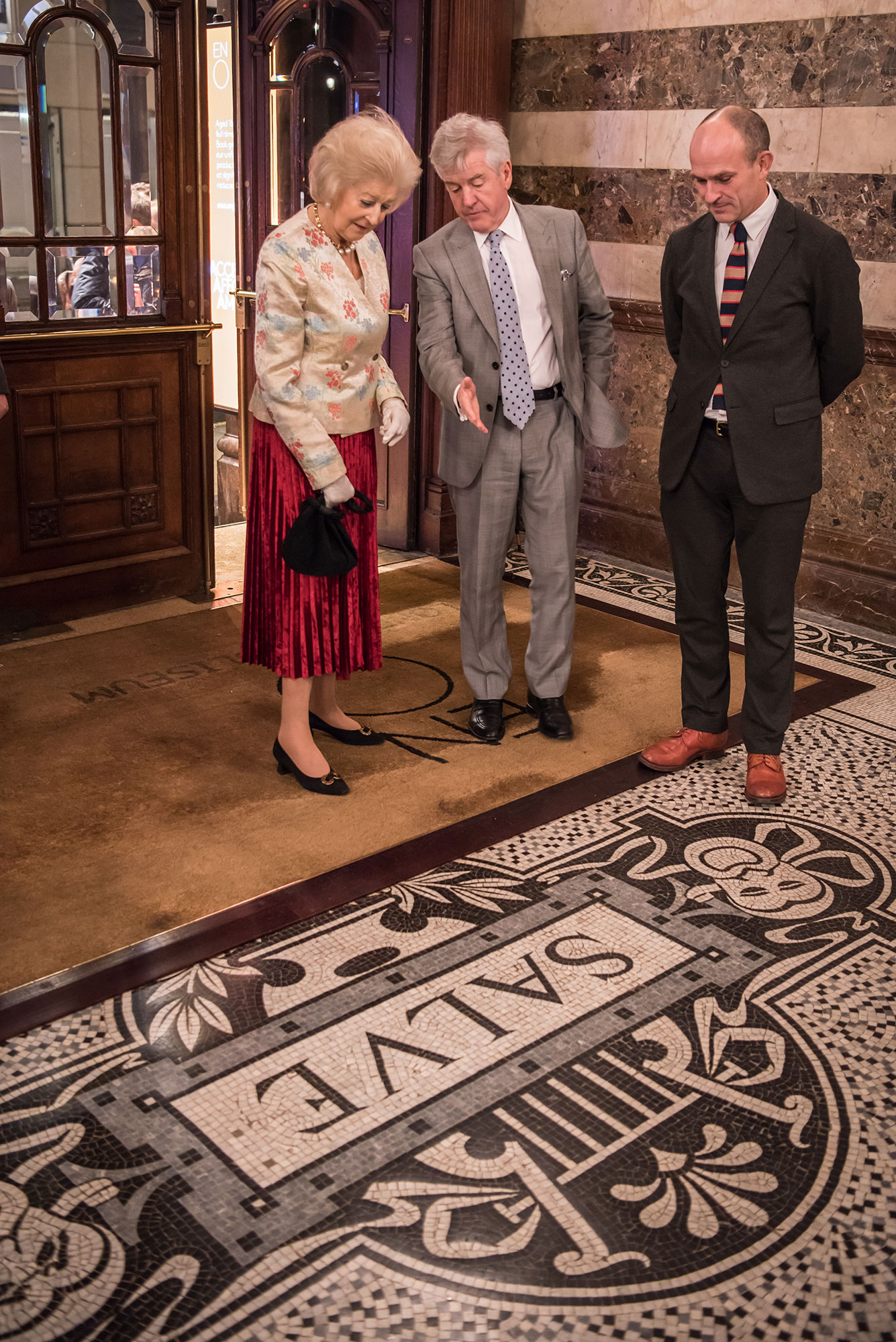 Princess Alexandra with ENO Chairman Dr Harry Brünjes and Chief Executive Stuart Murphy © Genevieve Girling